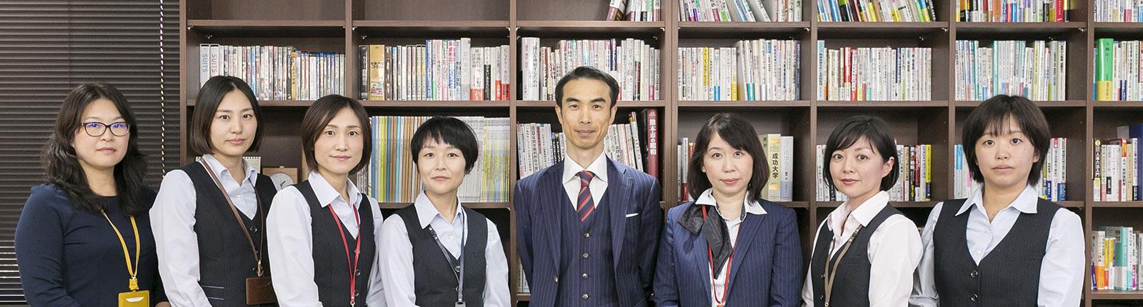 穴井りゅうじ社会保険労務士事務所のチーム